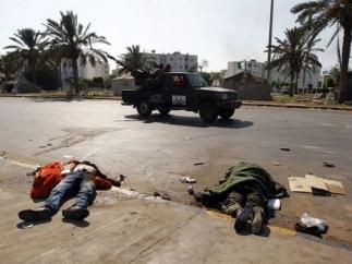 Кошмар в Триполи: сторонники Каддафи бьются насмерть