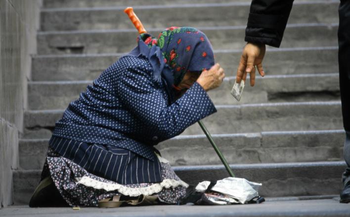 Россияне продолжат беднеть четвертый год подряд