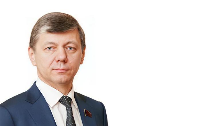 Выступление Д.Г. Новикова на первом заседании Госдумы восьмого созыва
