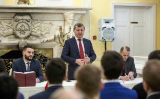 Дмитрий Новиков вручил дипломы слушателям 39-го потока в Центре политической учебы ЦК КПРФ