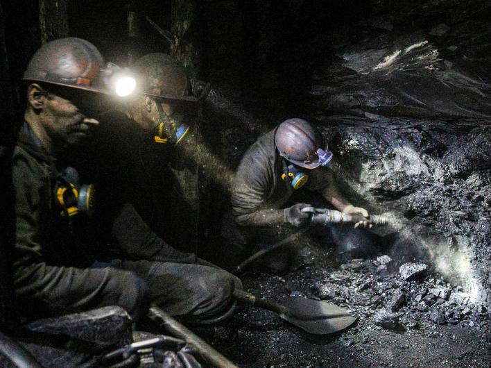 """""""Укрэнерго"""": угля на ряде восточных ТЭС хватит всего на четыре дня"""