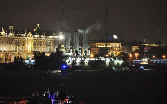 Легендарный крейсер «Аврора» вернулся в строй! Ленинград встретил возвращение символа революции