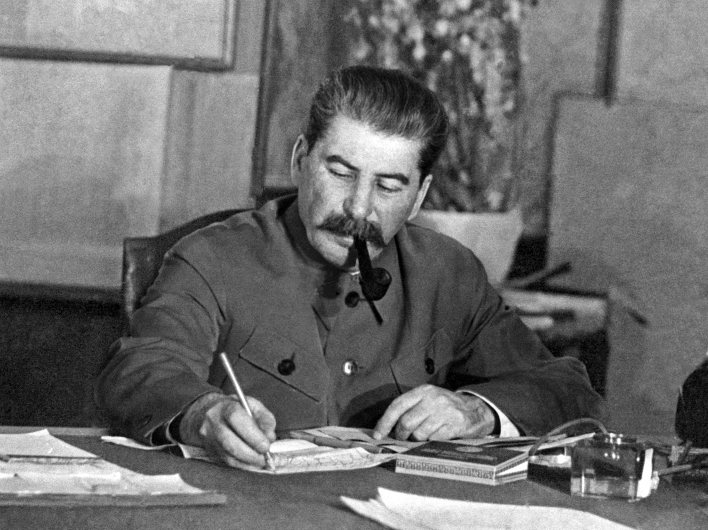 Россияне стали больше ценить Сталина