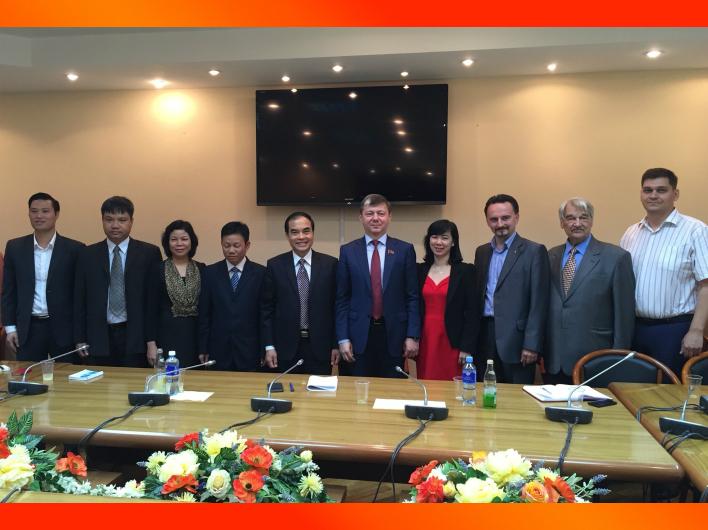 Д.Г. Новиков встретился с делегацией вьетнамского журнала «Коммунист», возглавляемой Ву Ван Фуоком