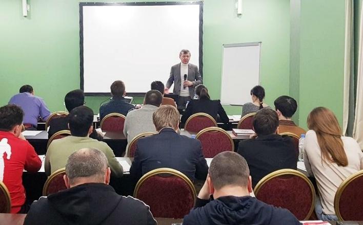 Д.Г. Новиков встретился представителями партий СКП-КПСС, проходящими обучение в Центре политучебы ЦК КПРФ