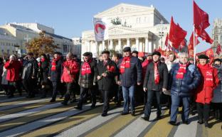 Власть усиливает атаки на коммунистов