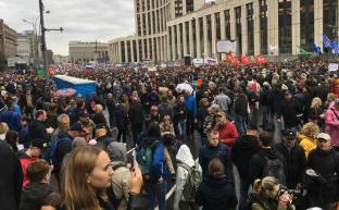 На митингах в Москве политические прохиндеи готовят русский «Майдан-2024»