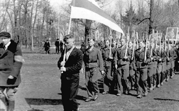 Белорусская оппозиция — под флагами гитлеровцев