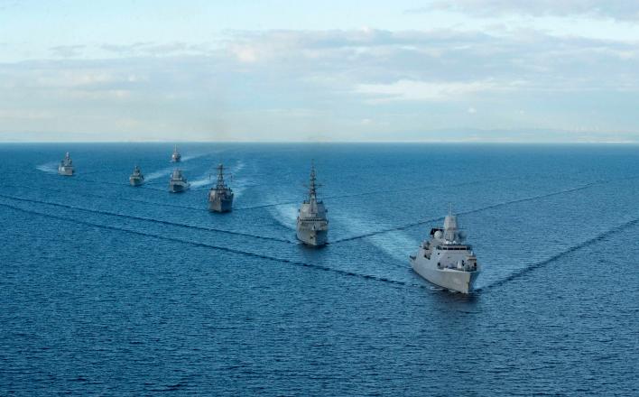 США разместили корабли и самолеты на позициях для атаки на Сирию