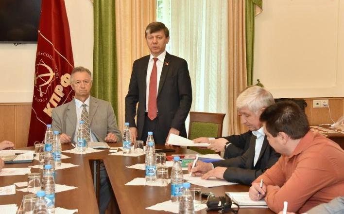 КПРФ продолжит борьбу за сохранение Мавзолея В.И.Ленина и почетного некрополя у Кремлевской стены
