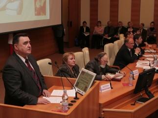 Фракция КПРФ в Госдуме провела обсуждение законопроекта об учреждении Дня русского языка