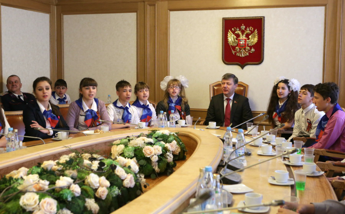 Д.Г. Новиков встретился с ребятами из Луганской народной республики