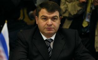Депутаты фракции КПРФ требуют увольнения Сердюкова с поста главы совета директоров ОАК
