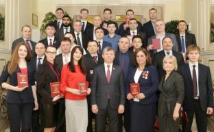 Дмитрий Новиков вручил дипломы выпускникам 31 потока Центра политической учёбы при ЦК КПРФ