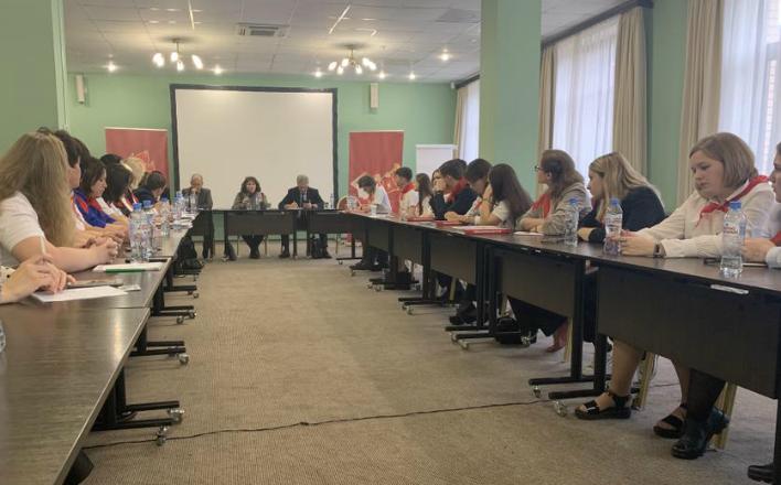 Слушатели ЦПУ КПРФ встретились с представителями Кубы и Вьетнама
