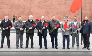 "Г.А.Зюганов: ""Да здравствует наша Победа!"""