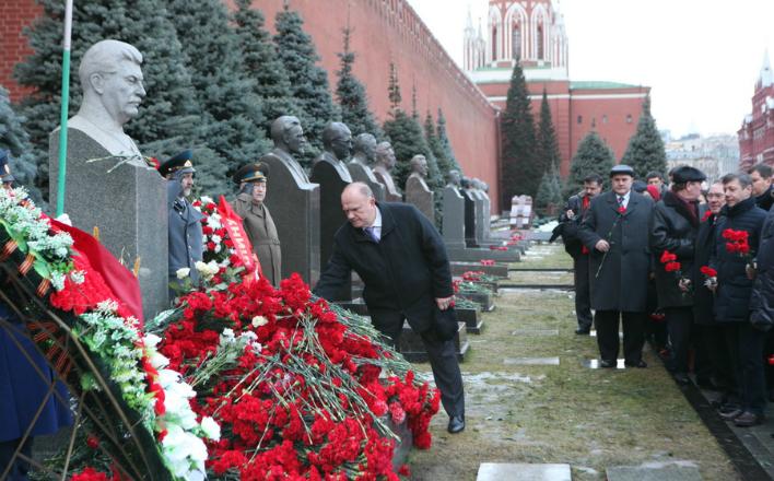21 декабря в 11:00 пройдет возложение цветов к могиле И.В. Сталина у Кремлевской стены в связи со 137-й годовщиной со дня его рождения