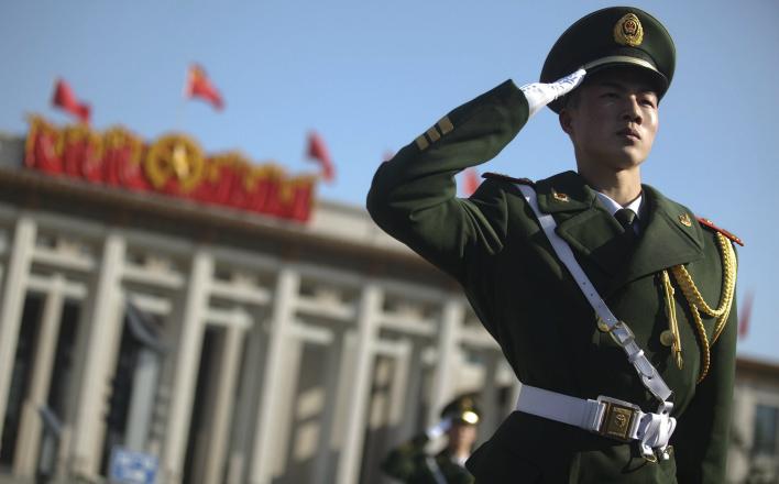 """Китай готов бороться с """"цветными революциями"""""""