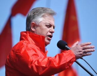 Петр Симоненко: Майдан используют для давления на народных депутатов, пытаясь провести передел власти