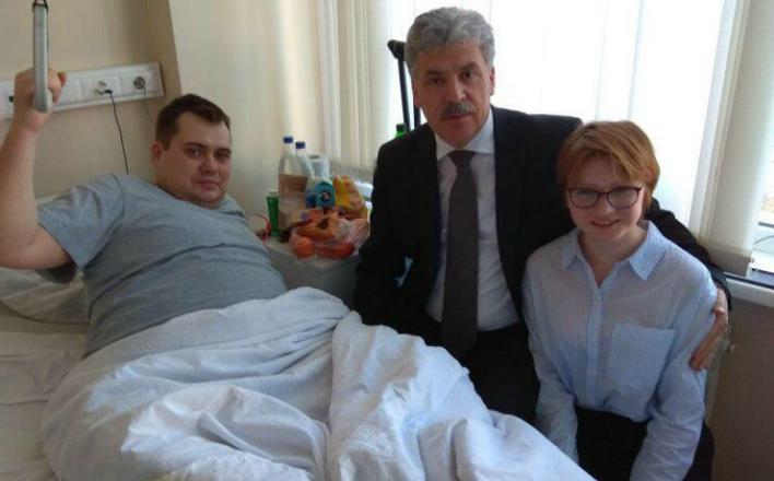 Павел Грудинин навестил в больнице избитого члена ТИК от КПРФ